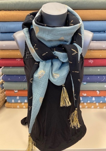 """""""couture créative"""" : Le foulard triangle - jeudi 21/10 de 9H00 à 12H00"""
